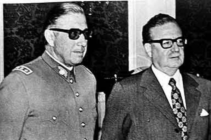 allende-with-pinochet